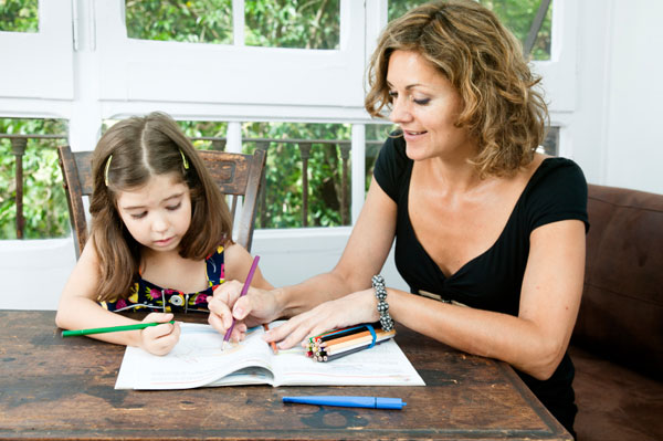 parents helping children with homework Parents can give kids lots of homework help, primarily by making homework a priority and helping them develop good study habits setting up shop the kitchen or dining room table is a popular workspace for younger children they may feel more comfortable being near you, and you can provide encouragement and assistance.